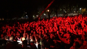 Μεγαλειώδης συναυλία στην Ιερισσό: Εμείς θα ζήσουμεελεύθεροι!