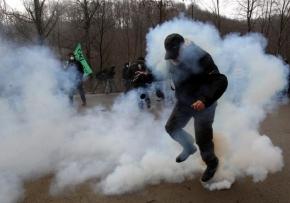 Μεγάλη καταστολή σε μια αποφασισμένη πορεία στις Σκουριές. Eldorado gohome