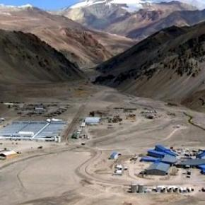 Mεταλλευτική εταιρεία διέρρευσε 1 εκατ. λίτρα τοξικούκυανίου