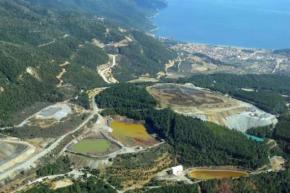 Ακόμη ένα πόρισμα του Υπουργείου Περιβάλλοντος διαπιστώνει πόσο επικίνδυνο είναι το φράγμα αποβλήτων στονΚοκκινόλακα